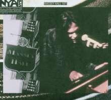 Neil Young: Live At Massey Hall 1971 (HDCD + DVD), 1 CD und 1 DVD