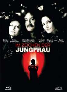 Im Zeichen der Jungfrau (Blu-ray & DVD im Mediabook), 1 Blu-ray Disc und 1 DVD