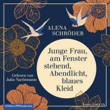 Alena Schröder: Junge Frau, am Fenster stehend, Abendlicht, blaues Kleid, 2 CDs